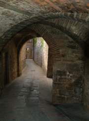 Gubbio tunnel2